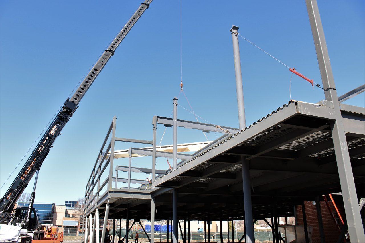 main-d'œuvre, Les avantages de la construction bois et acier, Construction Richelieu, Construction Richelieu